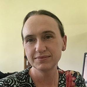 Emma Archer headshot